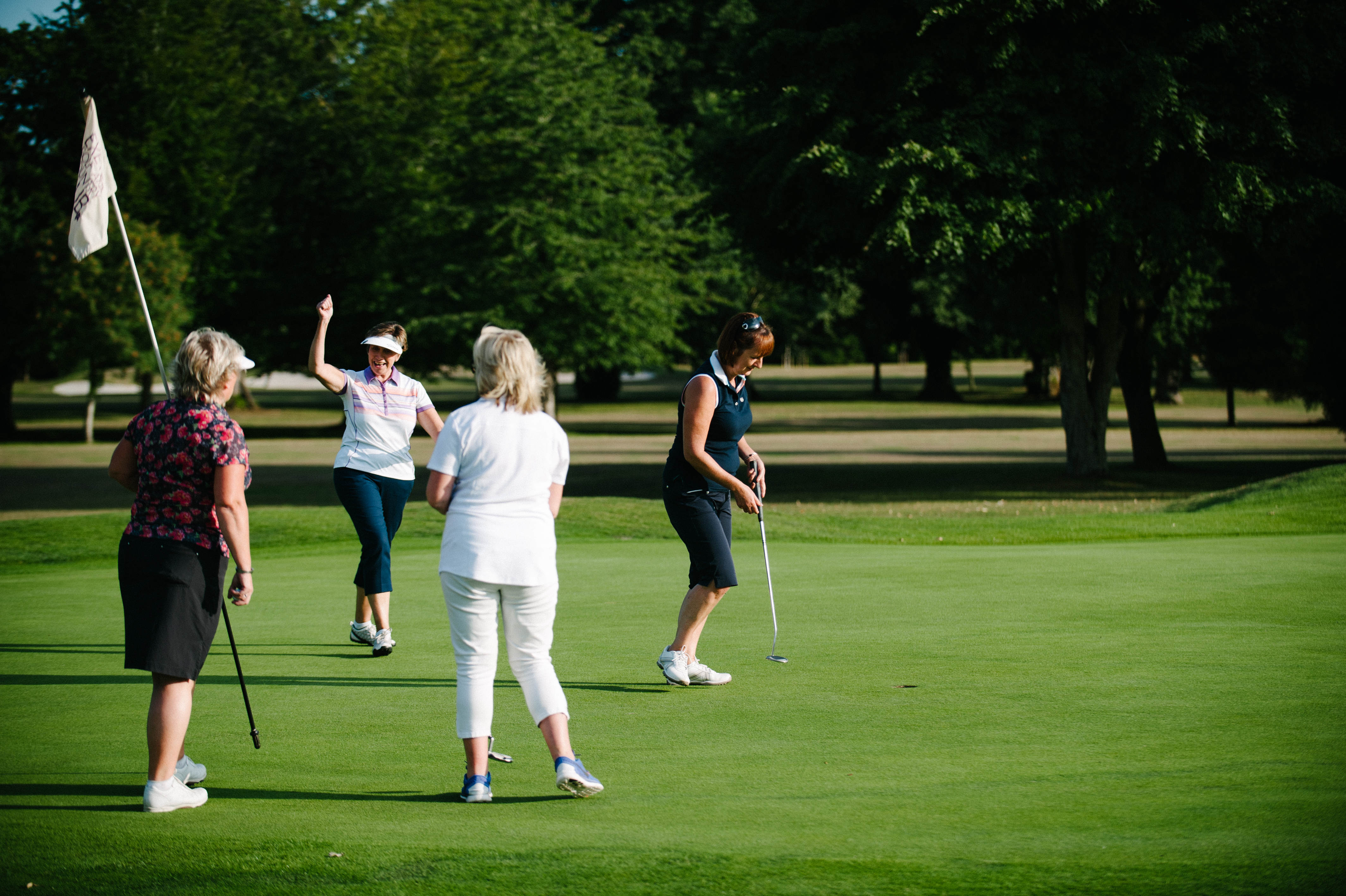 women on par, exeter golf and country club
